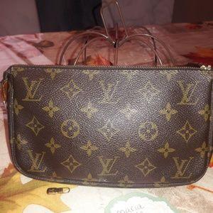 💯Authentic Louis Vuitton pouchette accessories